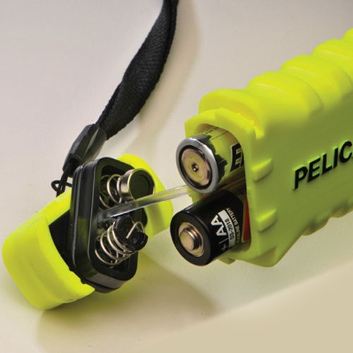 Pelican 3315 AA Safety Flashlight